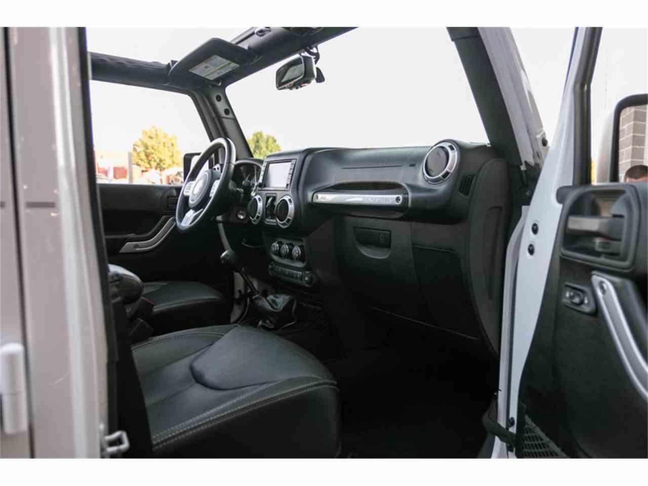 Large Picture of 2015 Jeep Wrangler located in Missouri - $29,995.00 - M4VI