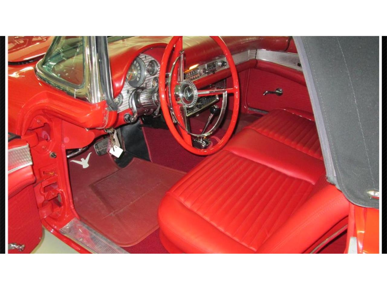 Large Picture of '57 Thunderbird - M50Y
