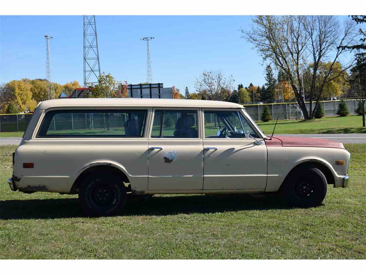 Large Picture of '69 Suburban - M51I