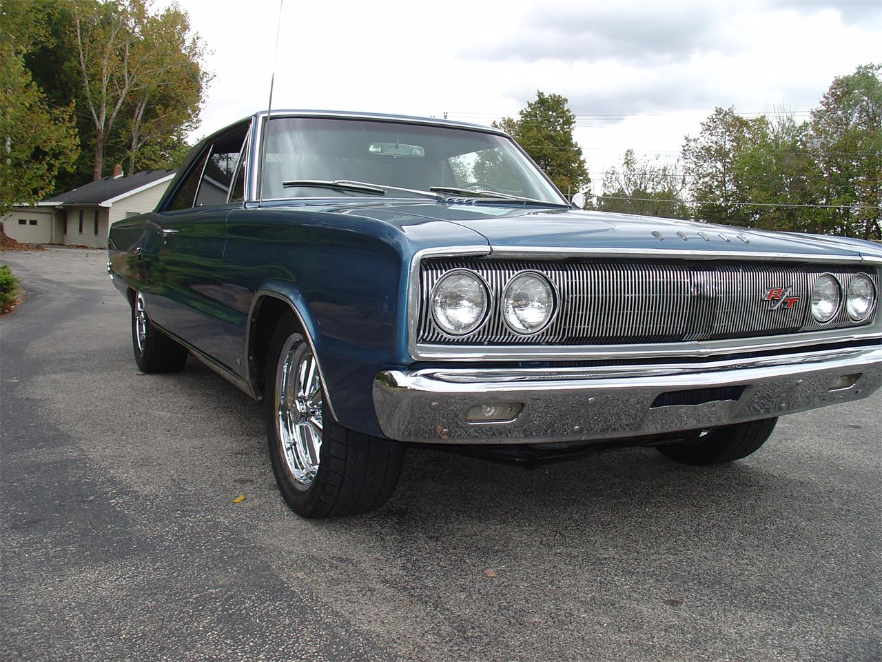 Large Picture of '67 Coronet R/T - M58V