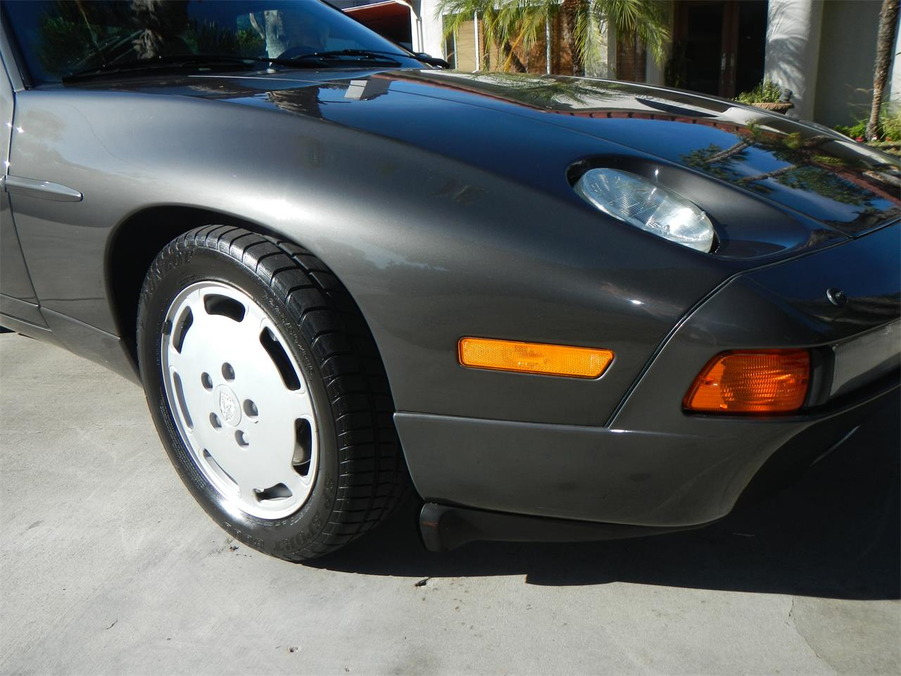 Large Picture of 1989 Porsche 928S - M590