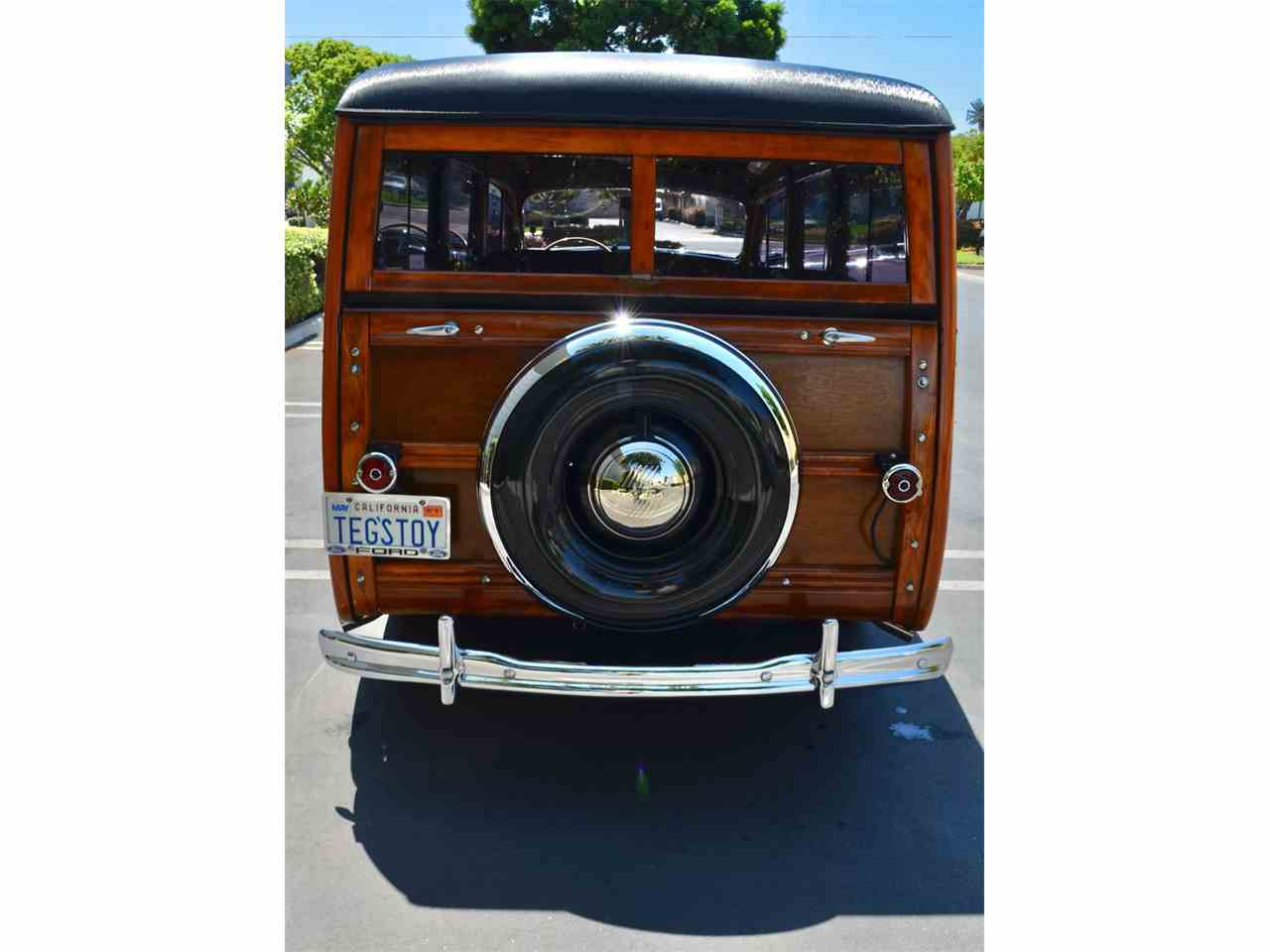 Large Picture of '46 Ford Station Wagon Woody - M5H5