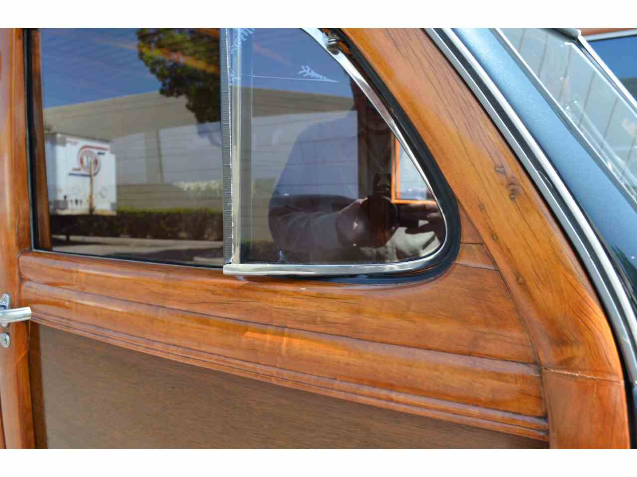 Large Picture of Classic 1946 Ford Station Wagon Woody located in California - M5H5