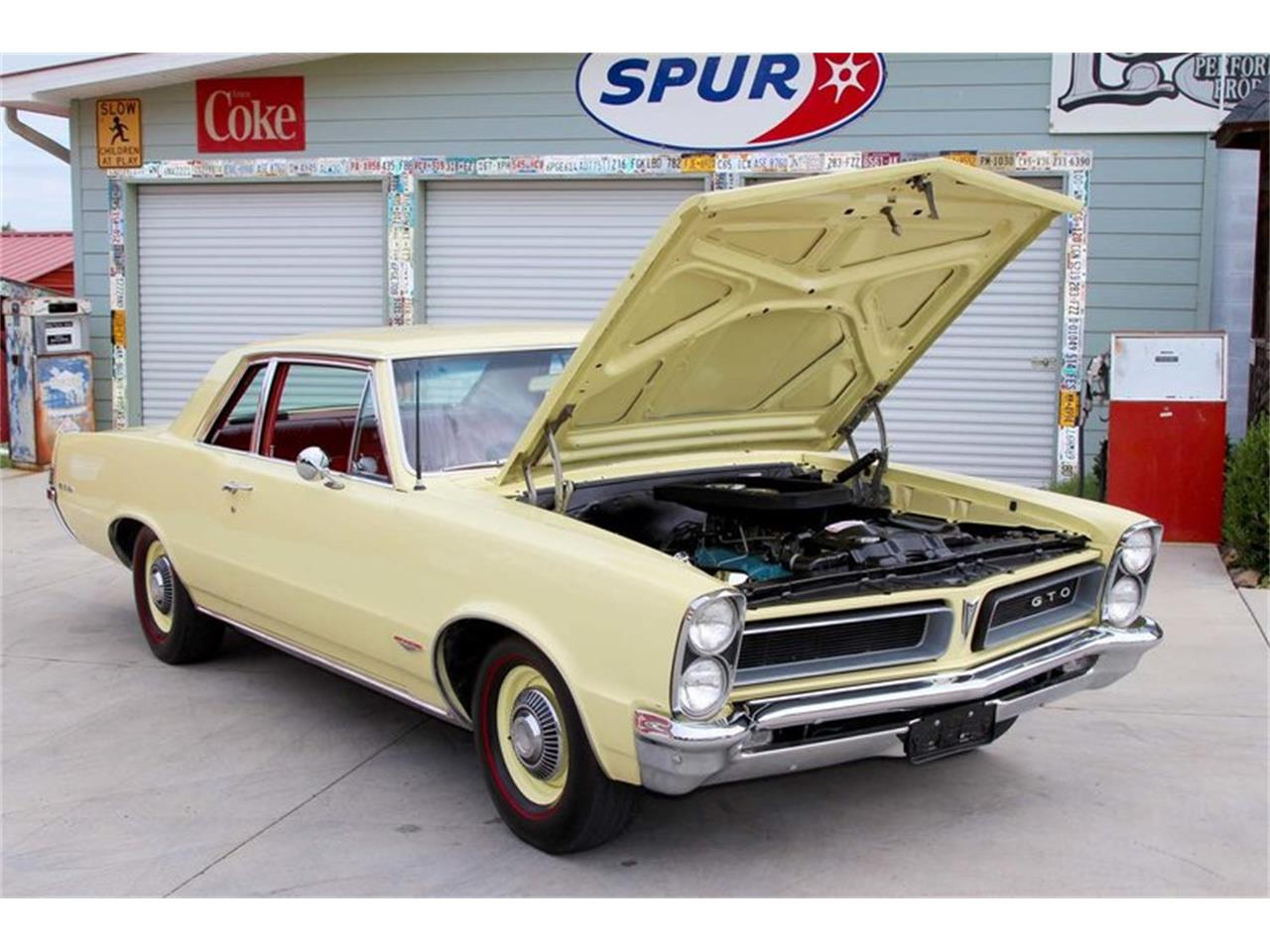 Large Picture of Classic 1965 Pontiac GTO located in Lenoir City Tennessee Offered by Smoky Mountain Traders - M5KL