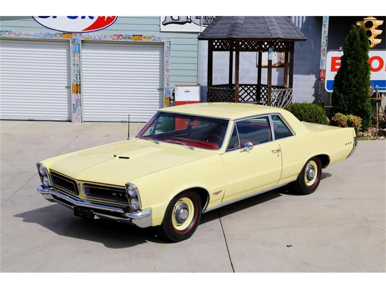 Large Picture of Classic '65 GTO located in Lenoir City Tennessee Offered by Smoky Mountain Traders - M5KL