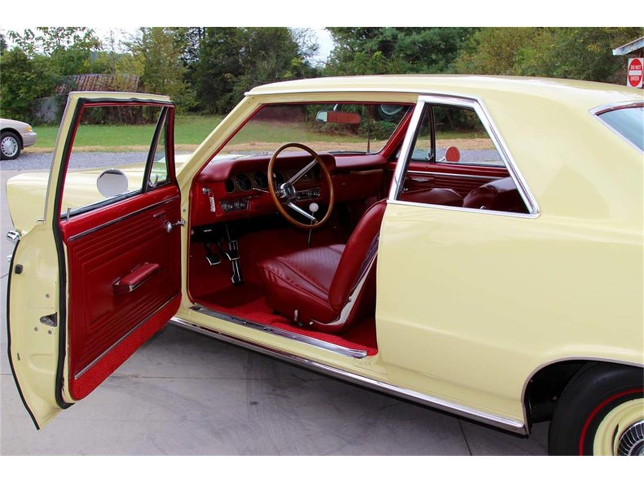 Large Picture of '65 Pontiac GTO Offered by Smoky Mountain Traders - M5KL