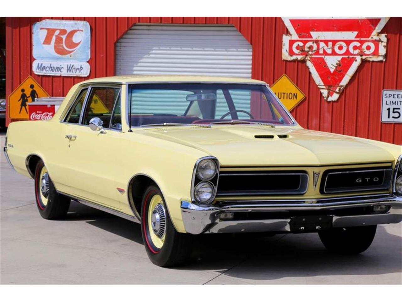 Large Picture of Classic '65 Pontiac GTO located in Lenoir City Tennessee - $51,995.00 Offered by Smoky Mountain Traders - M5KL