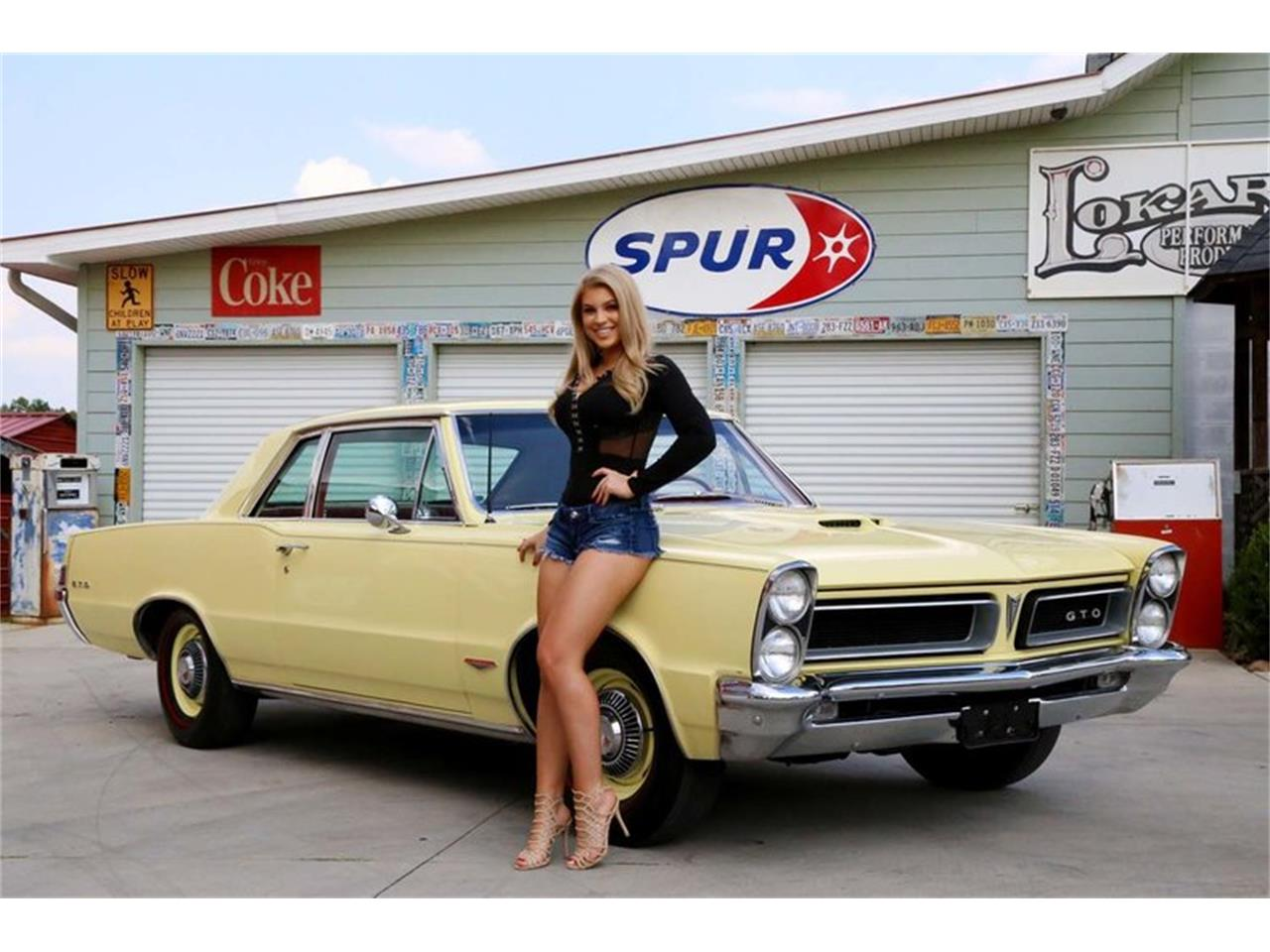 Large Picture of Classic '65 Pontiac GTO located in Tennessee Offered by Smoky Mountain Traders - M5KL