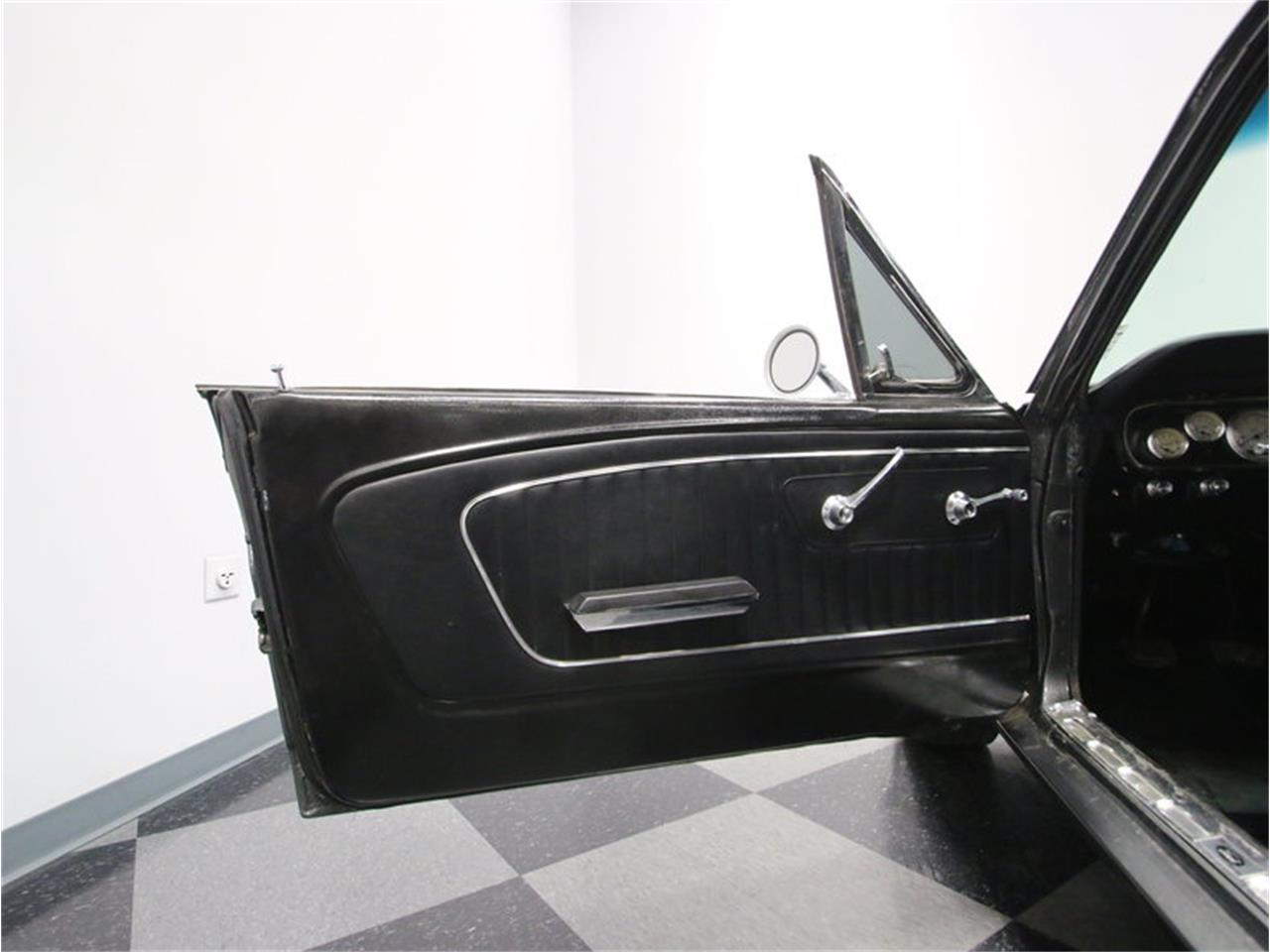Large Picture of Classic '65 Ford Mustang - M5MV