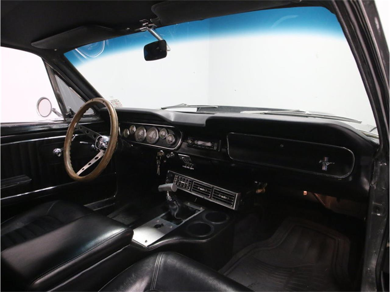 Large Picture of Classic 1965 Ford Mustang located in Lavergne Tennessee - M5MV