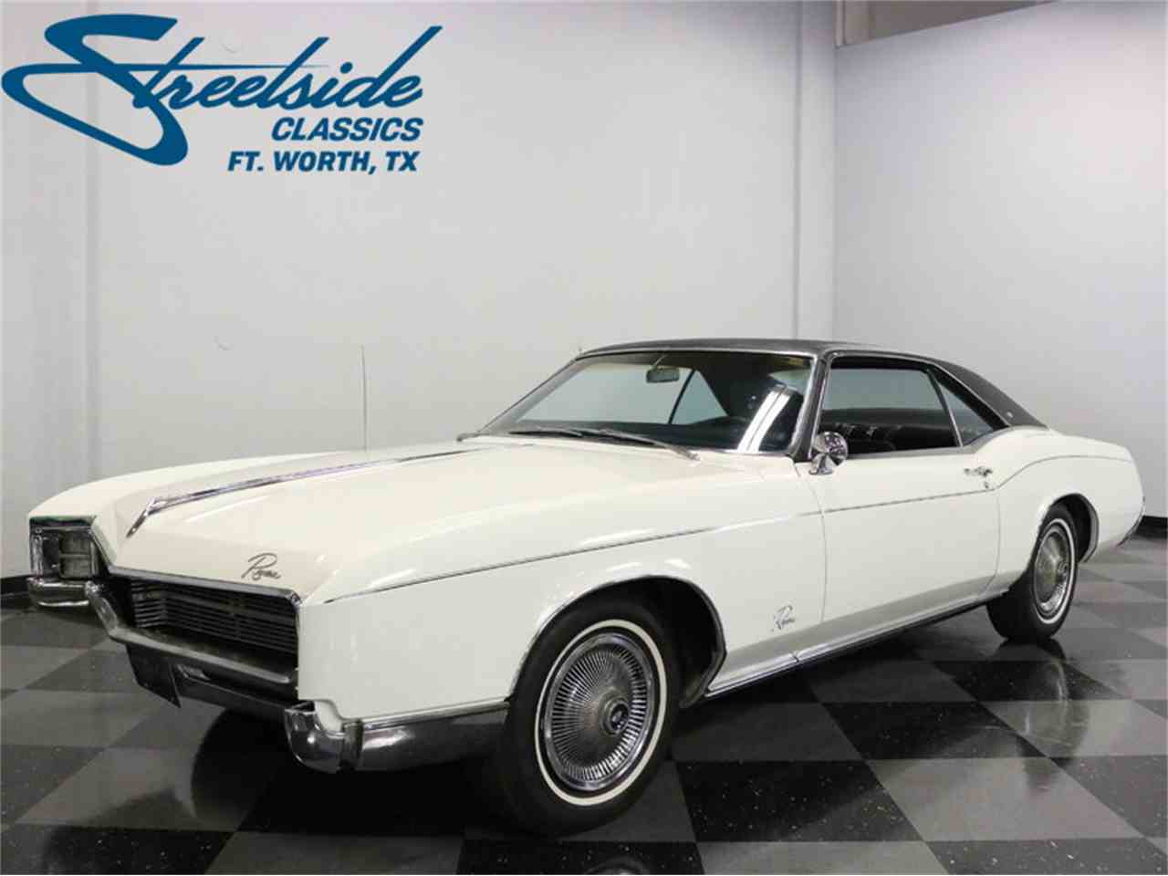 Large Picture of Classic '67 Buick Riviera located in Ft Worth Texas Offered by Streetside Classics - Dallas / Fort Worth - M5N7