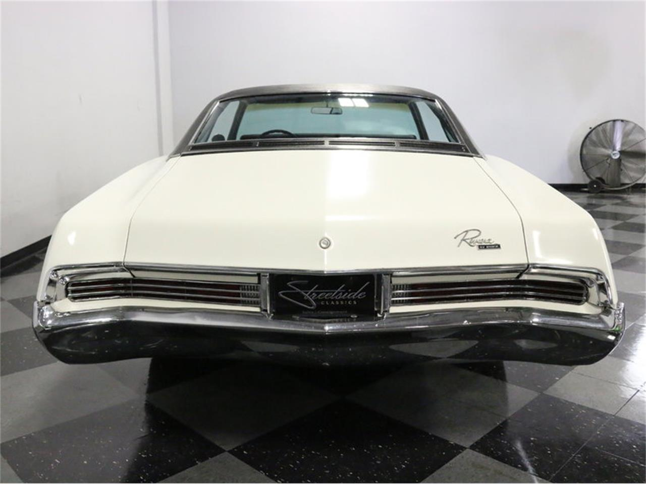 Large Picture of '67 Riviera - M5N7