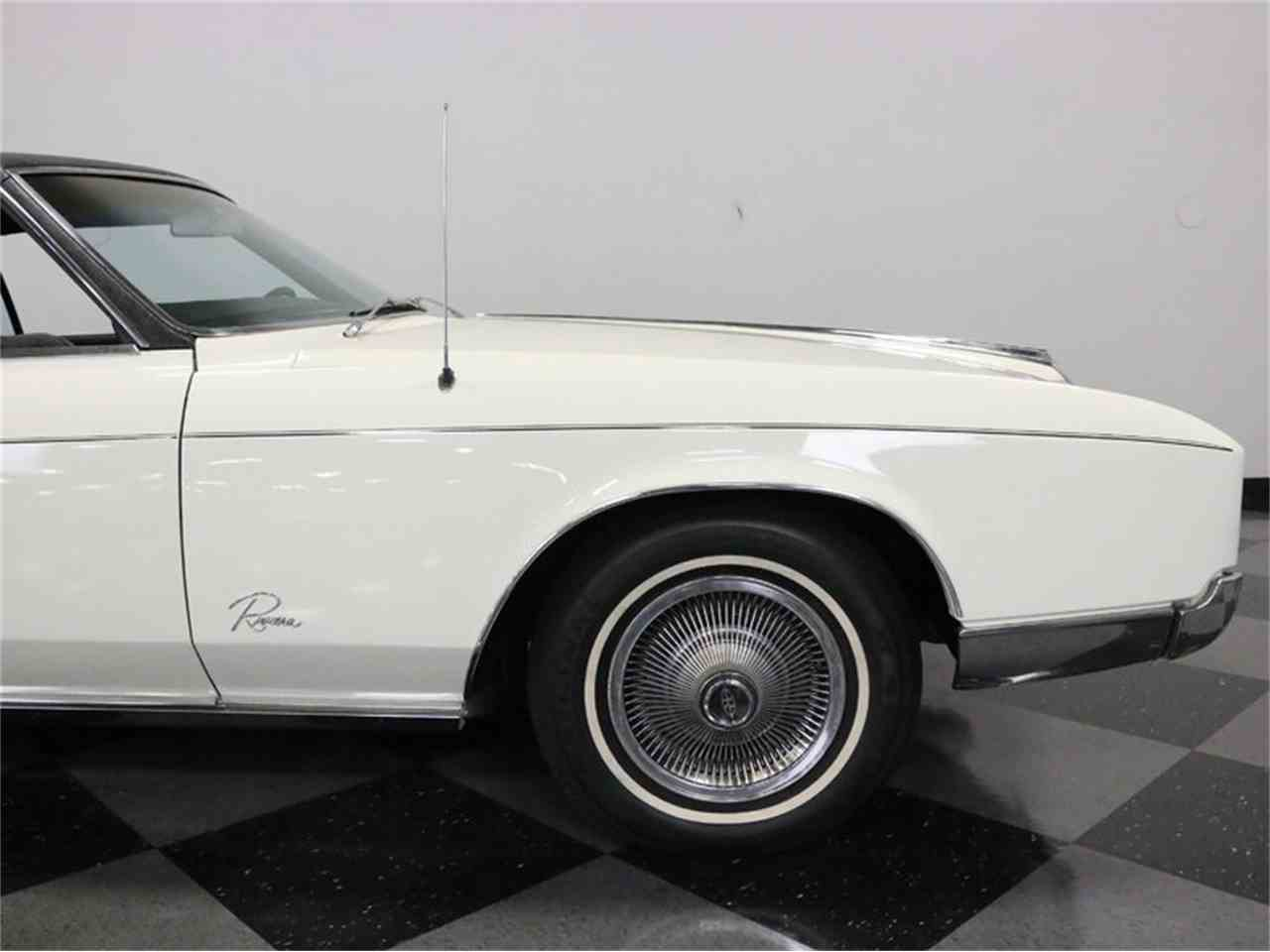 Large Picture of Classic 1967 Riviera located in Ft Worth Texas - M5N7