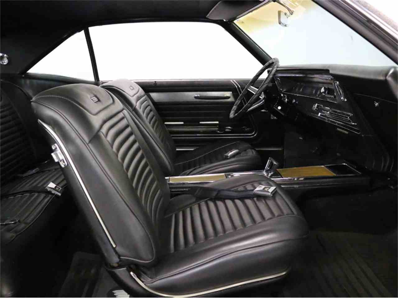 Large Picture of Classic 1967 Buick Riviera located in Ft Worth Texas - M5N7