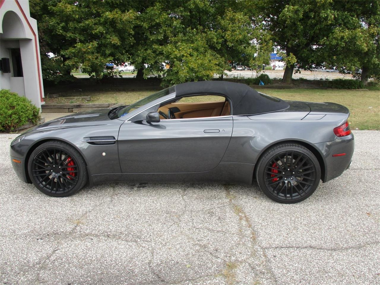 Large Picture of '09 Aston Martin V8 Vantage Roadster located in Bedford Heights Ohio - $49,500.00 - M5PD