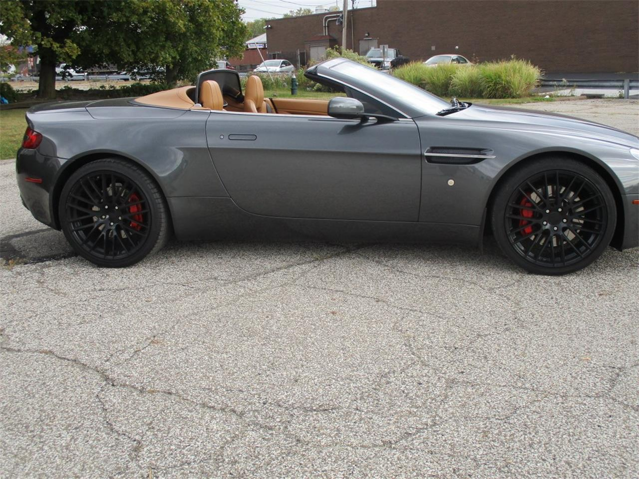 Large Picture of 2009 Aston Martin V8 Vantage Roadster located in Bedford Heights Ohio - M5PD