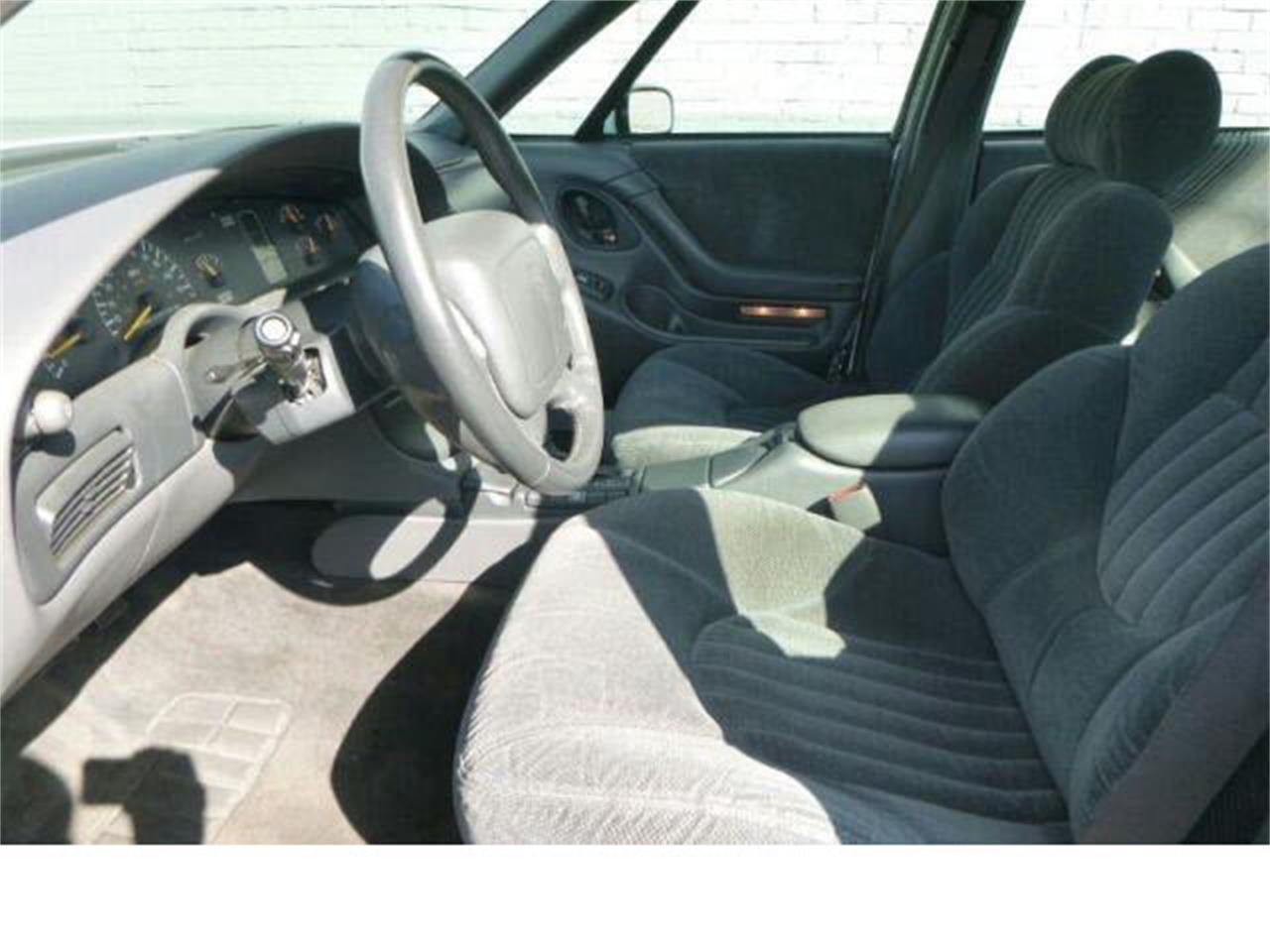Large Picture of 1998 Pontiac Bonneville located in Tacoma Washington - $3,990.00 - M5Q6