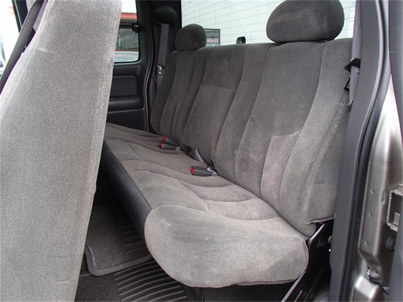 Large Picture of '03 Chevrolet Silverado - $11,990.00 - M5R3