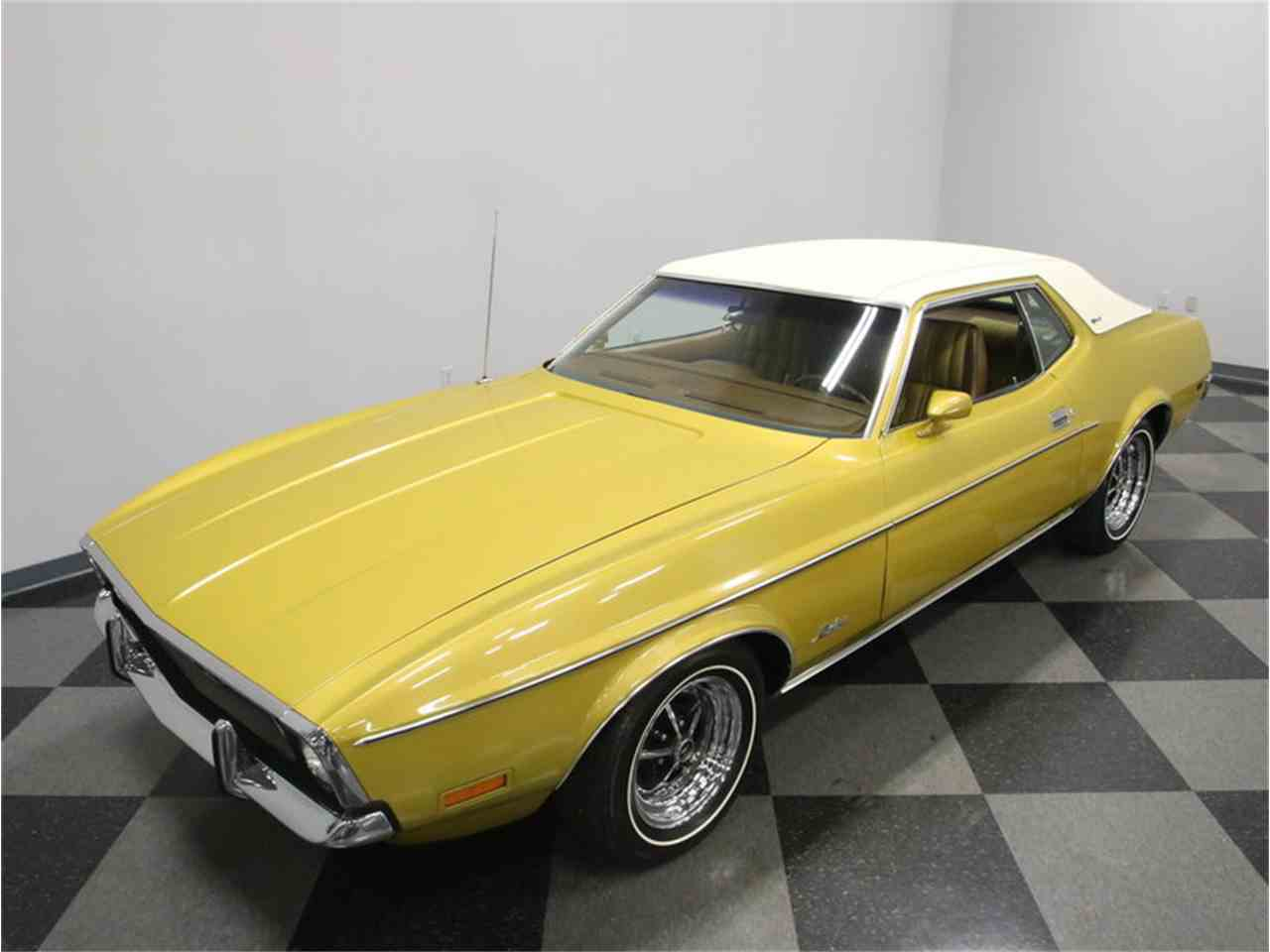 Large Picture of Classic '72 Mustang Offered by Streetside Classics - Nashville - M5W7