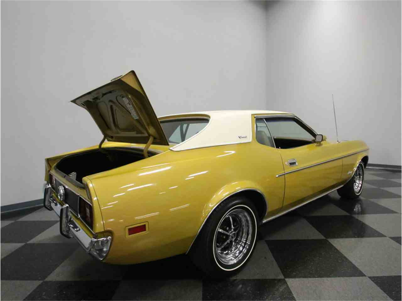 Large Picture of Classic '72 Mustang located in Tennessee - $20,995.00 - M5W7