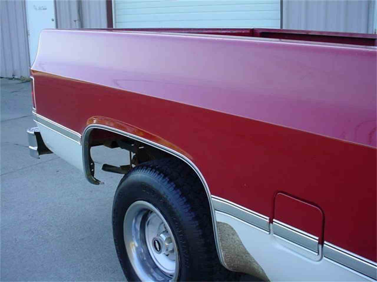 Large Picture of 1986 Chevrolet Silverado Offered by Ultra Automotive - M60C
