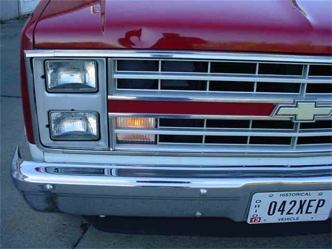 Large Picture of '86 Chevrolet Silverado located in Ohio - $10,950.00 - M60C