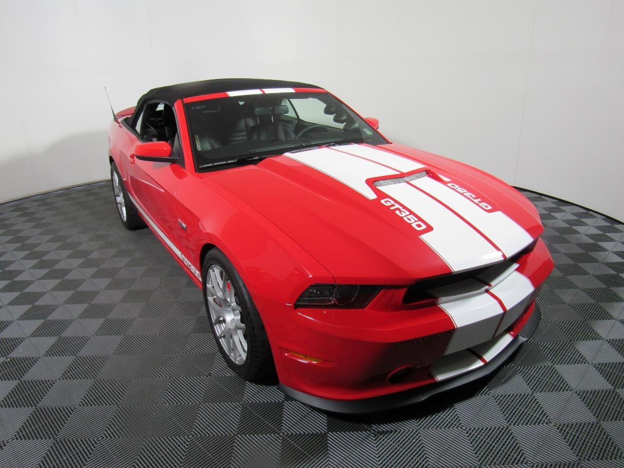 2014 shelby gt350 for sale cc 1030428. Black Bedroom Furniture Sets. Home Design Ideas