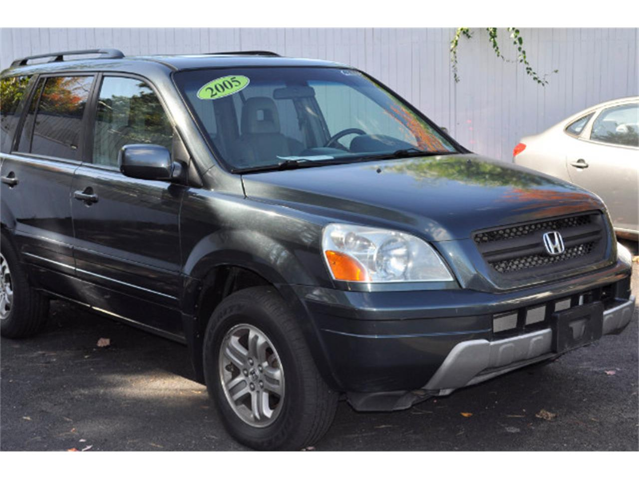 Large Picture of 2005 Honda Pilot - $5,745.00 Offered by Horseless Carriage - M62R