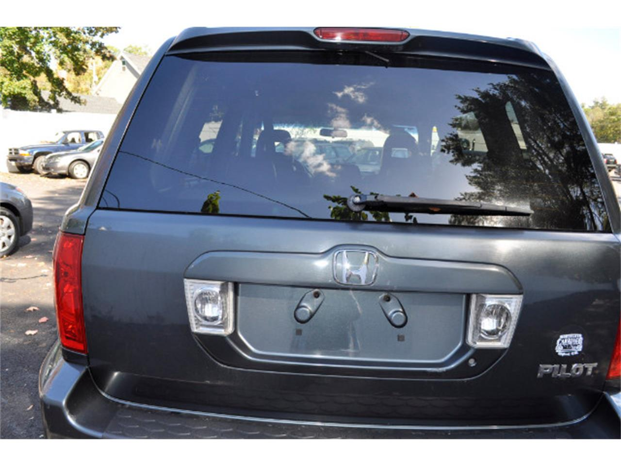 Large Picture of 2005 Honda Pilot located in Milford New Hampshire - $5,745.00 - M62R