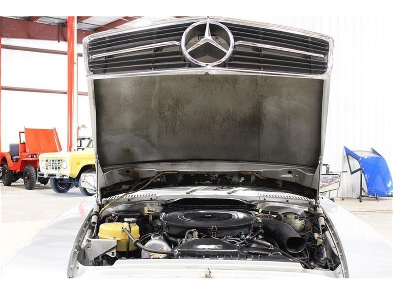 Large Picture of '80 Mercedes-Benz 450SL Offered by GR Auto Gallery - M6AJ