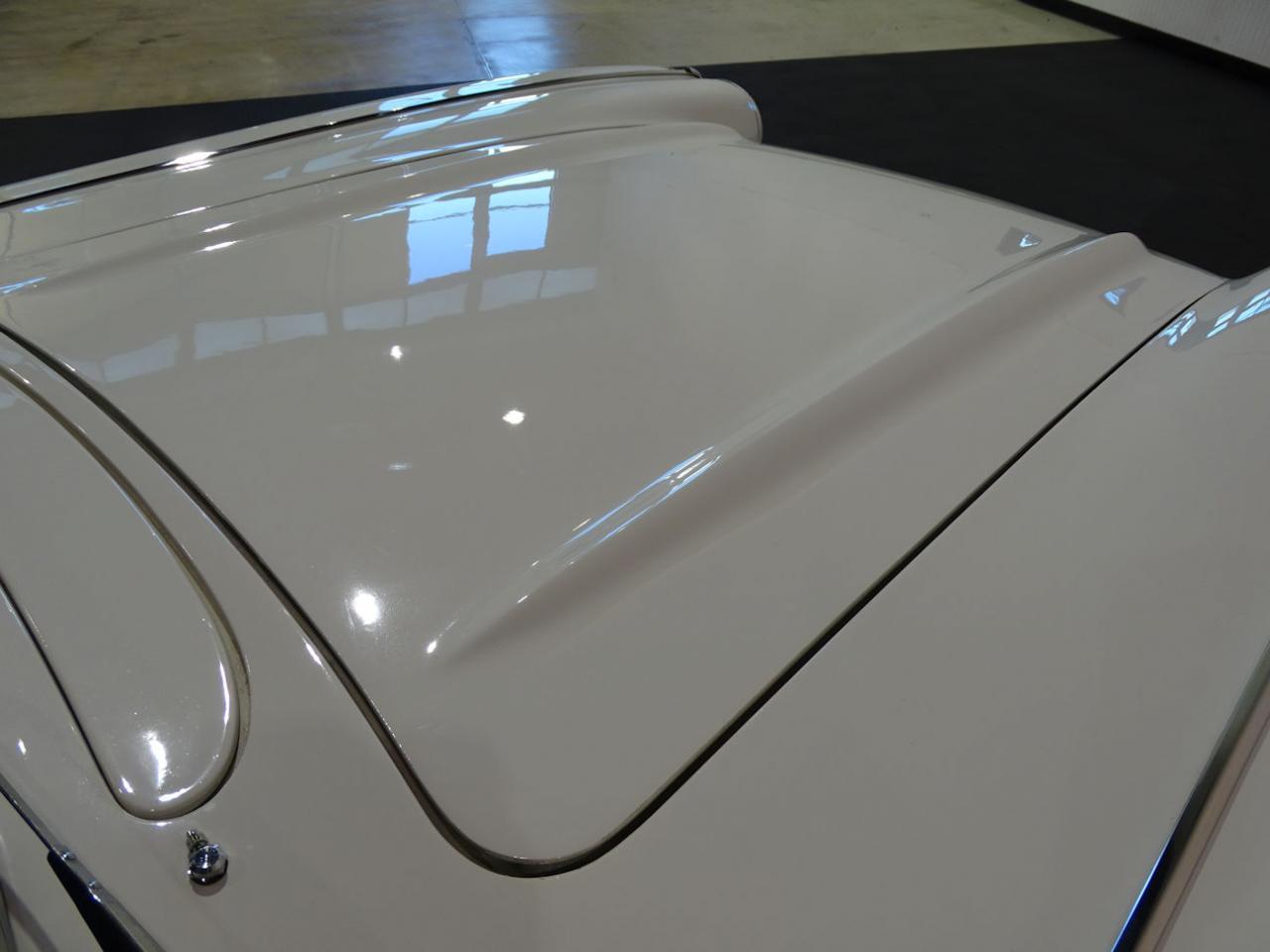 Large Picture of '61 Corvette - M6G3