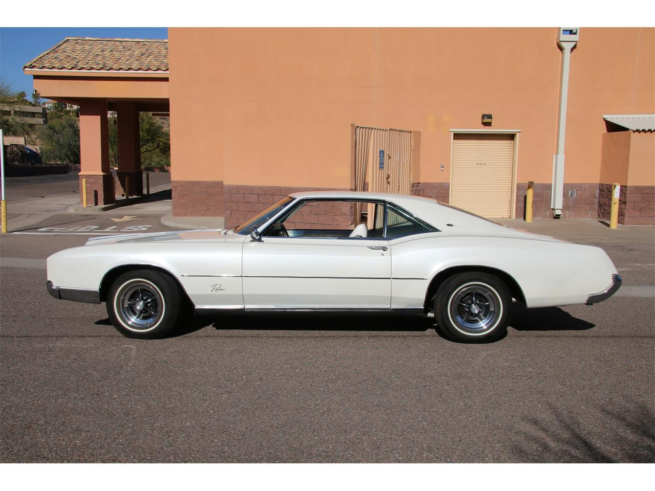 Jumbo Picture of '66 Riviera - M6JL