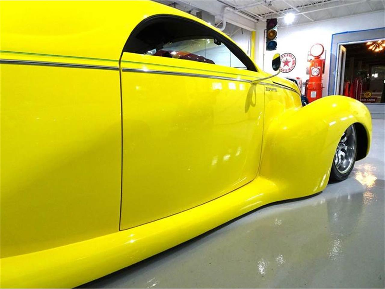 Large Picture of '39 Lincoln Zephyr located in New York Offered by Great Lakes Classic Cars - M6K0