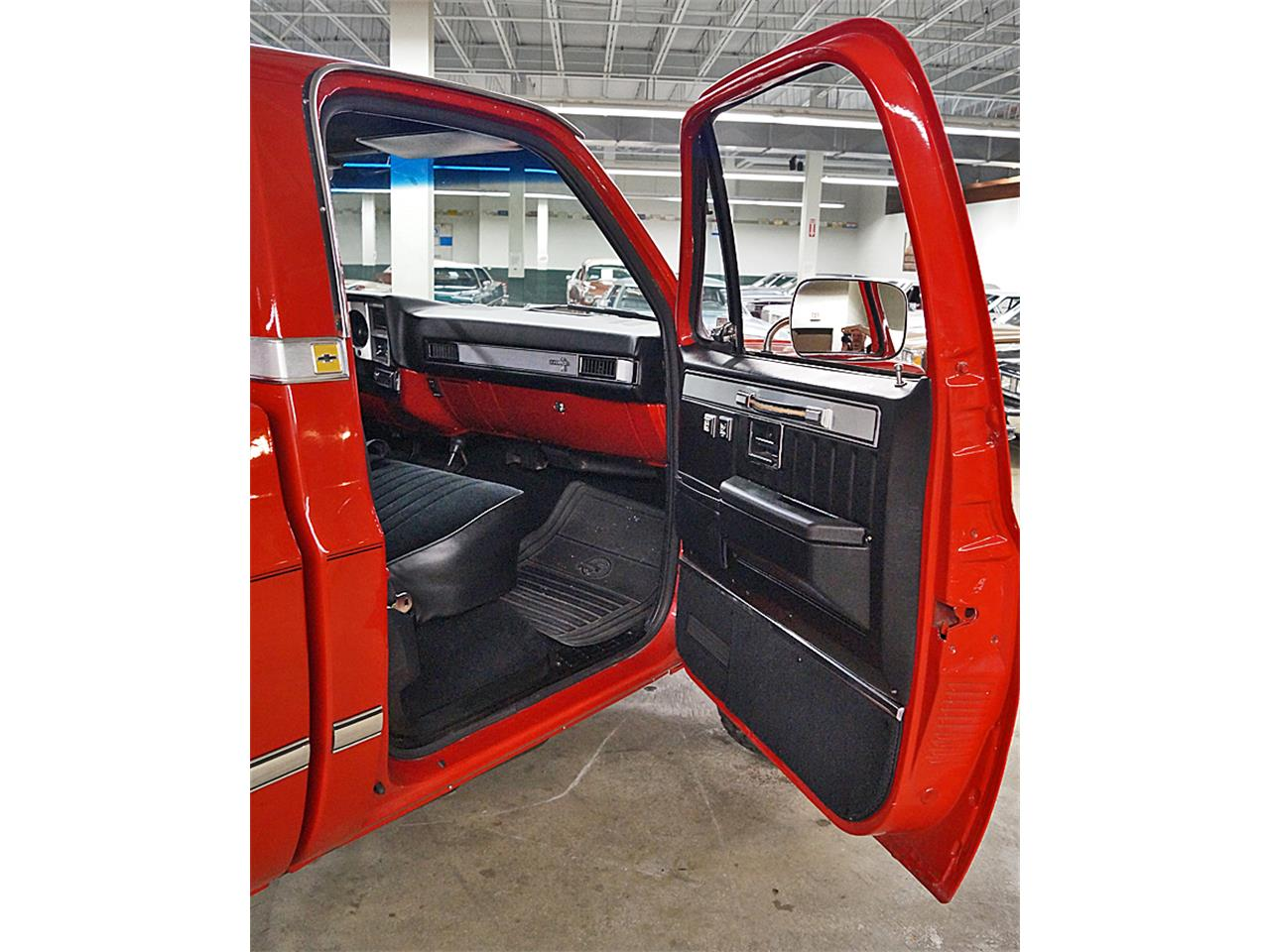 Large Picture of '86 Chevrolet Silverado located in Ohio Offered by Motorcar Portfolio - M6LJ
