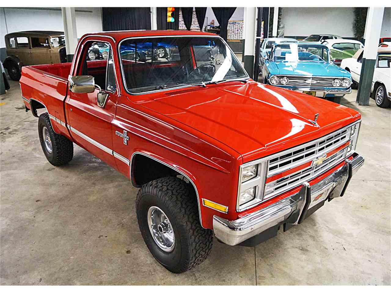 Large Picture of '86 Silverado located in Ohio Offered by Motorcar Portfolio - M6LJ