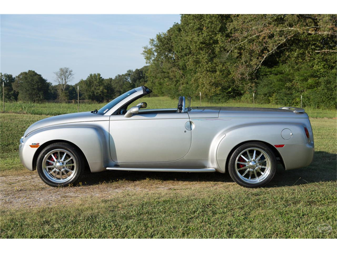 Large Picture of '05 Chevrolet SSR - $29,900.00 Offered by Art & Speed - M6SY