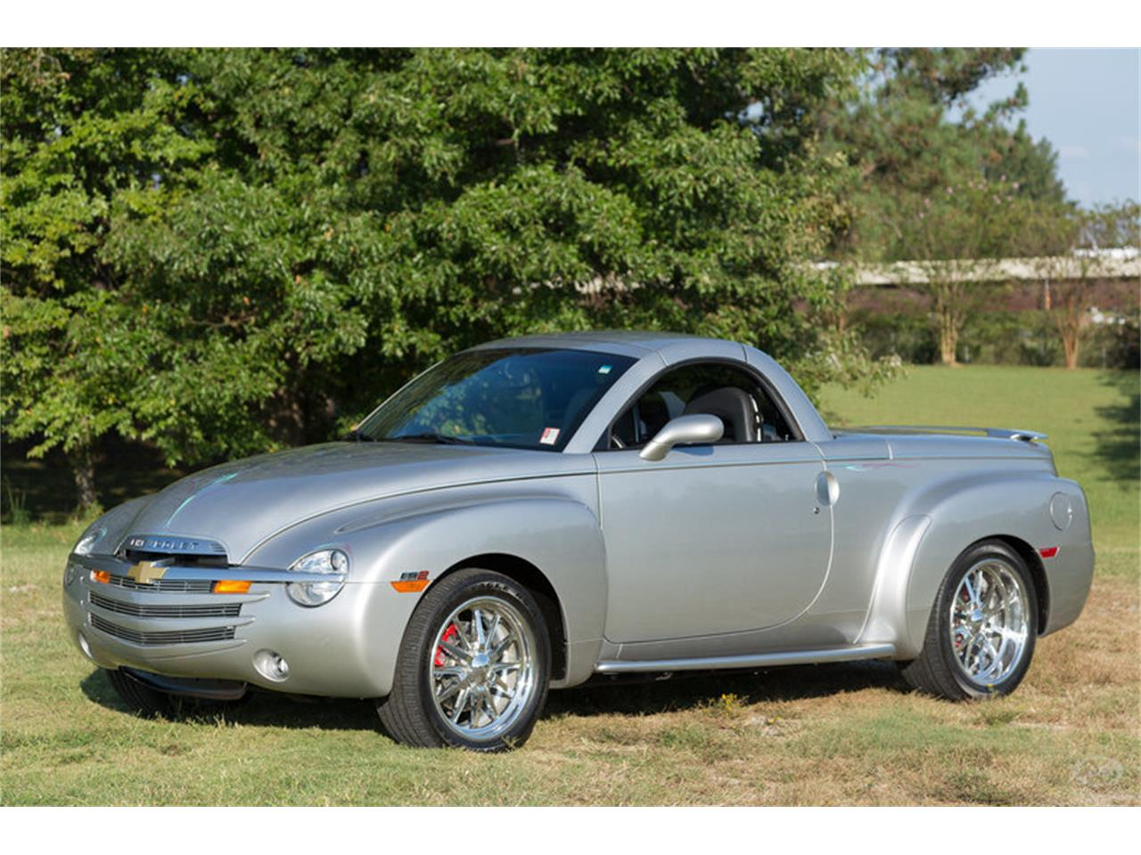 Large Picture of 2005 Chevrolet SSR located in Collierville Tennessee - $29,900.00 - M6SY