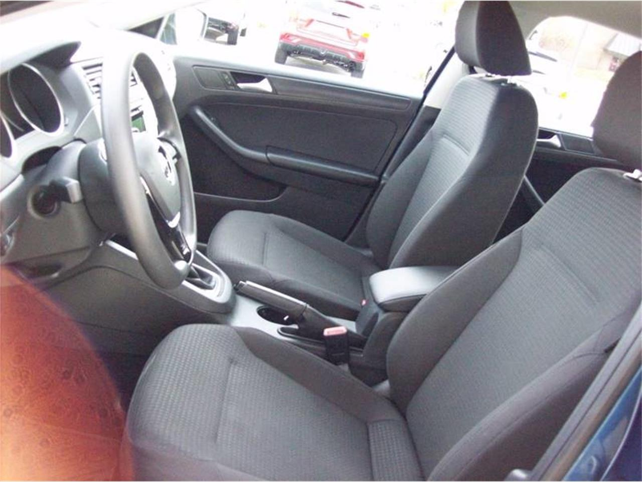 Large Picture of '15 Volkswagen Jetta located in Holland Michigan - $10,995.00 - M6XO