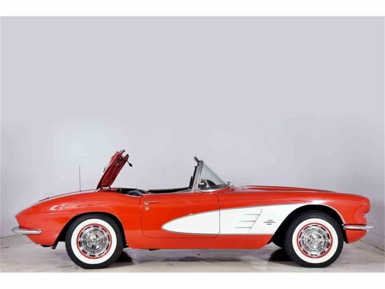Large Picture of '61 Corvette - M6ZE