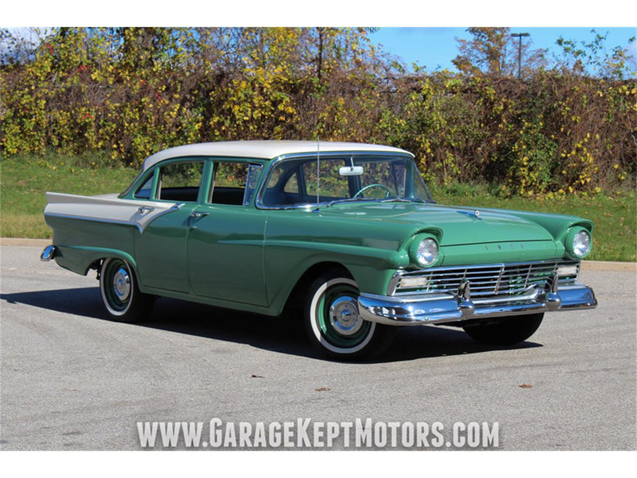Large Picture of Classic 1957 Custom 300 - $13,900.00 - M72V