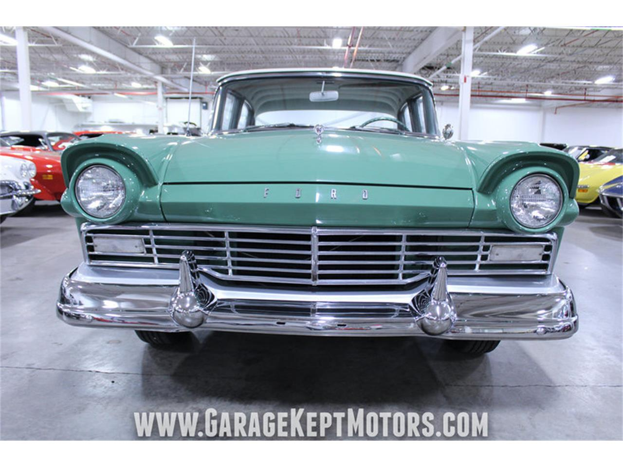 Large Picture of '57 Ford Custom 300 - M72V