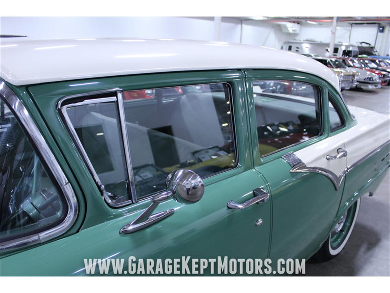 Large Picture of Classic 1957 Custom 300 located in Grand Rapids Michigan - M72V