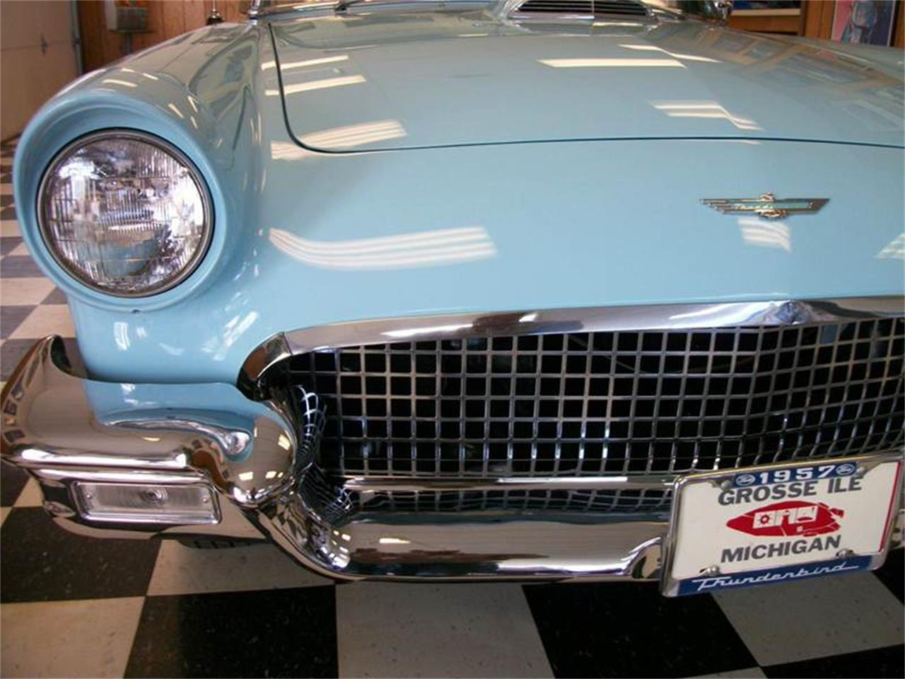 Large Picture of '57 Thunderbird - M755