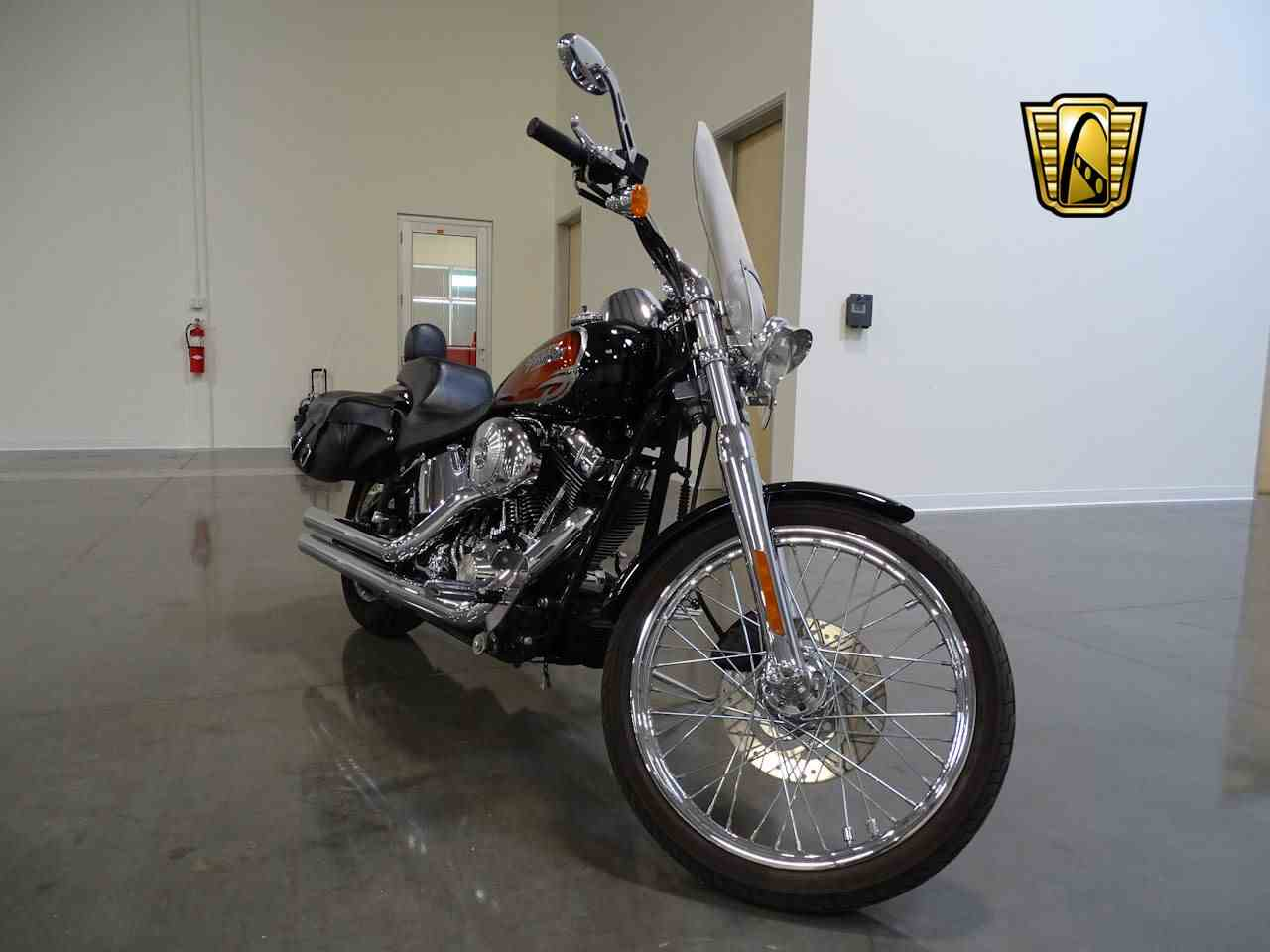 Large Picture of 2001 Harley-Davidson FXSTDI located in Deer Valley Arizona Offered by Gateway Classic Cars - Scottsdale - M79F