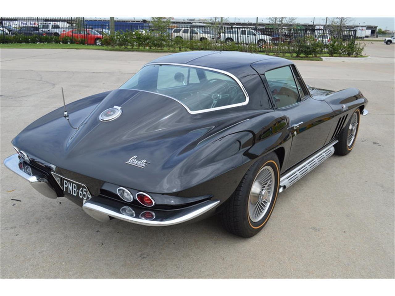Large Picture of '66 Corvette - M7AP