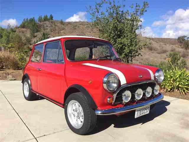 Picture of Classic '72 Mini located in Simi Valley California - $20,000.00 - M7BZ
