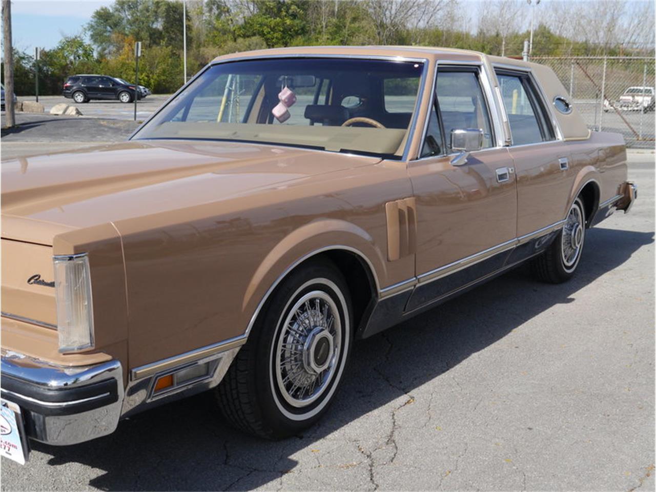 Large Picture of 1983 Continental Mark VI located in Alsip Illinois - $7,900.00 - M7E3