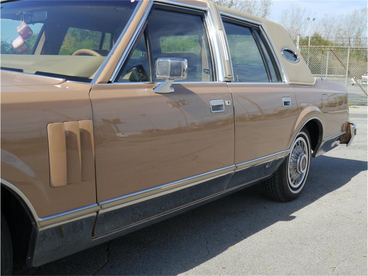 Large Picture of 1983 Continental Mark VI located in Illinois - $7,900.00 Offered by Midwest Car Exchange - M7E3