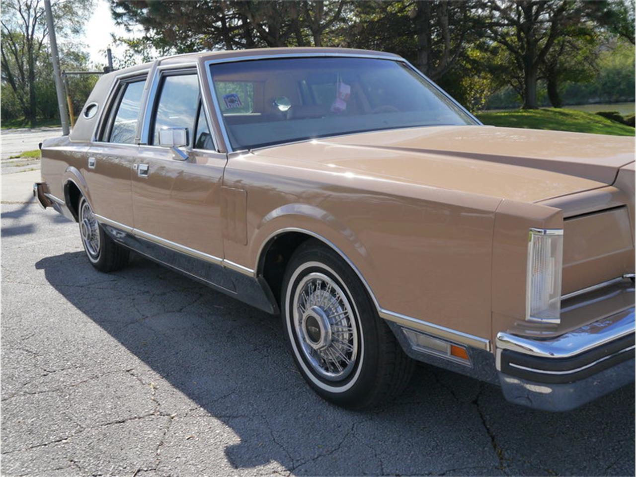 Large Picture of '83 Continental Mark VI located in Alsip Illinois - $7,900.00 - M7E3