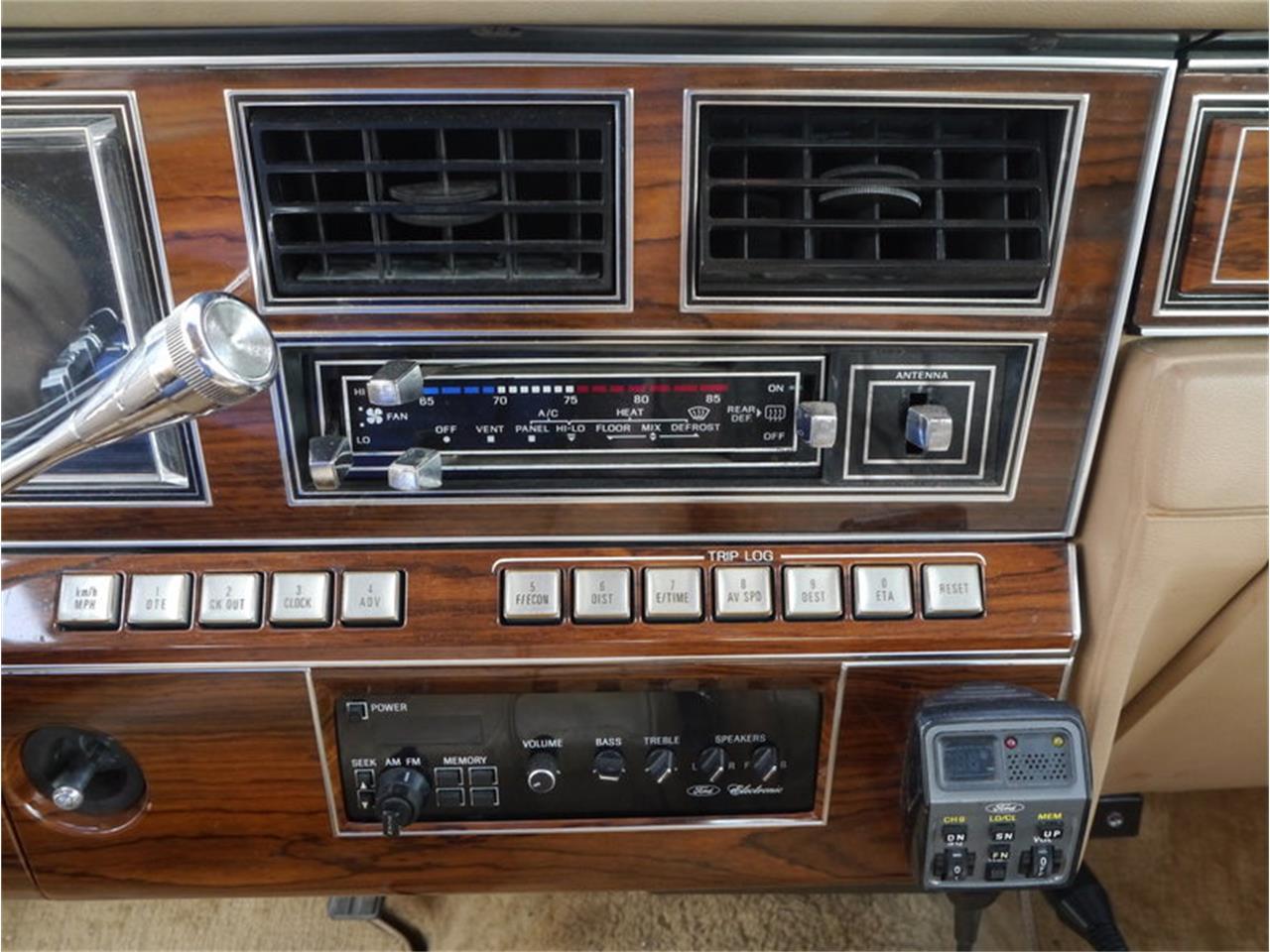 Large Picture of '83 Lincoln Continental Mark VI located in Illinois - $7,900.00 - M7E3